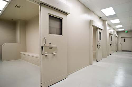 Phoenix courthouse where additional cells were added : jail doors - pezcame.com